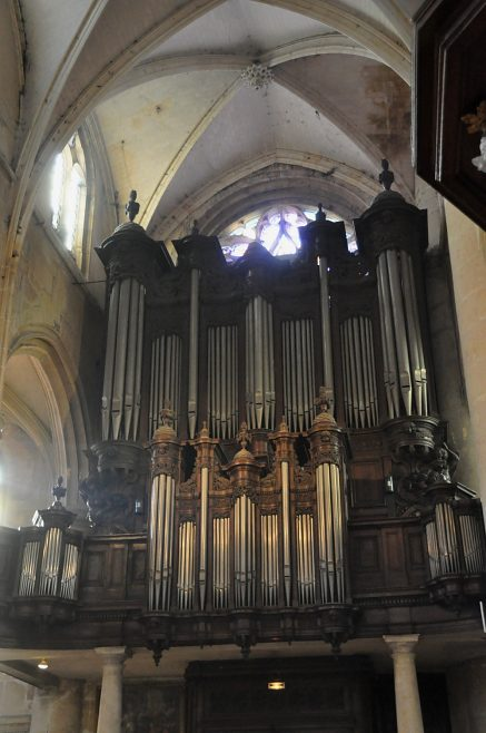 L'orgue de tribune (XVIIe siècle).